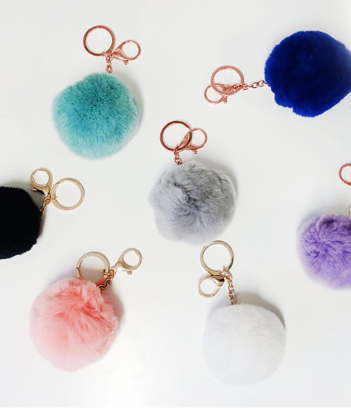 Fluffy bag ball (7€)